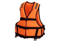 Спасательные жилеты и каски