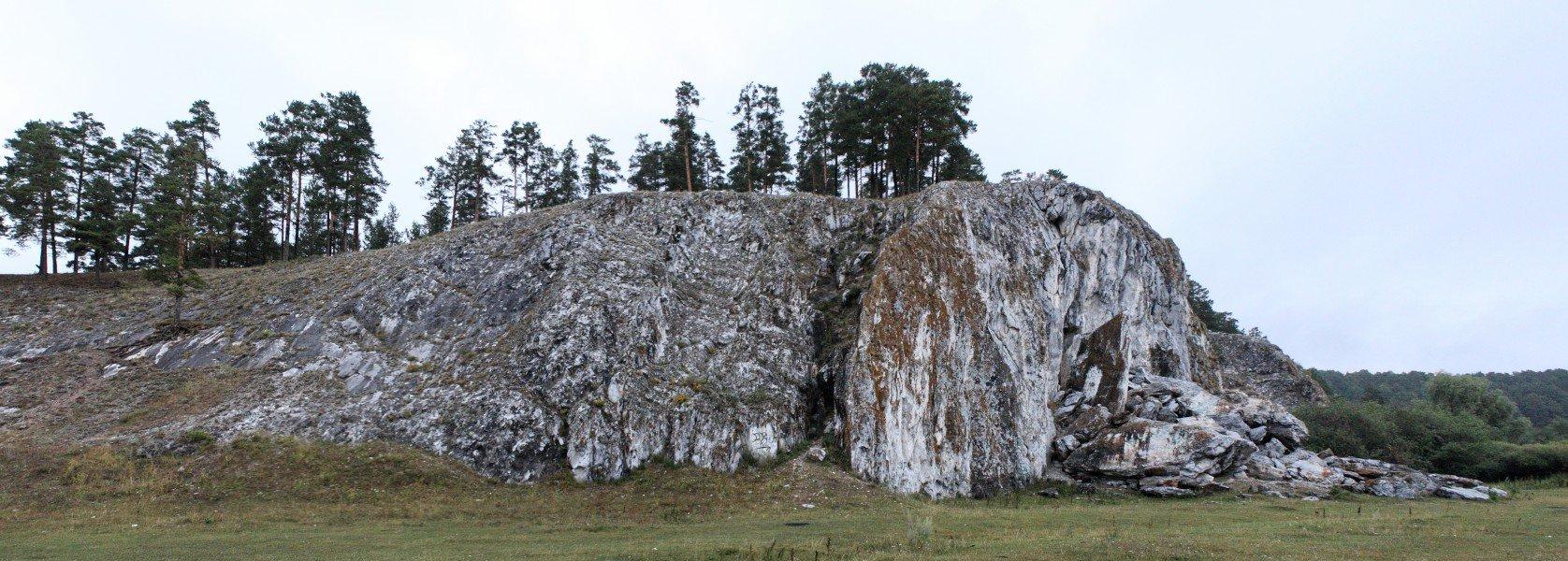 Скала Арский камень на р. Белая